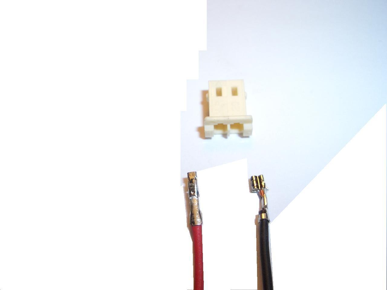 10 fili aggraffati con contatto Molex minispox 5103 (passo 2,5)
